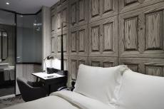 Charm room1